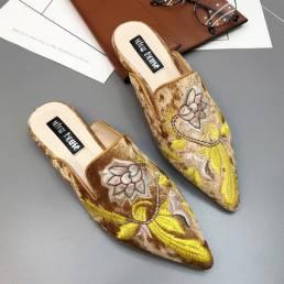 FolkwaysMullerSandaliasSuedebordadofloral zapatillas