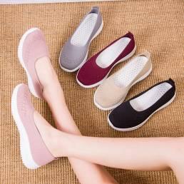 Las mujeres de malla transpirable fácil deslizamiento en los zapatos planos casuales perezosos para caminar