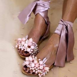 Sandalias planas de pierna con lazo de tiras abalorios para mujer