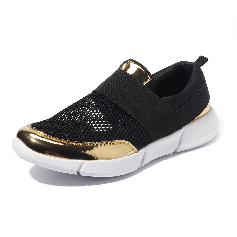 Ahuecahaciafueraelresbalónrespirable en los zapatos casuales