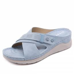Mujer Color sólido Casual Ahueca hacia fuera Comfortabel Wedges Heel Stripe zapatillas