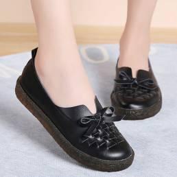 Deslizamiento de cuero de las mujeres en los zapatos de los holgazanes planos de Asakuchi del Bowknot tejido de color só