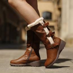 Forro de felpa para mujer Decoración con hebilla a media pierna Moto Botas