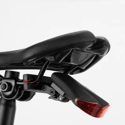XANES® 2-en-1 8 LED Inalámbrico Control remoto Luz trasera de bicicleta 130dB Alarma de inducción Luz trasera 3 modos Lu