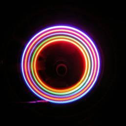 4PCS XANES WL03 5 LED 7 modos 6 Baterías bicicleta Colorful boquilla de luz de rueda luz de rayos