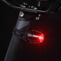 Luz trasera de bicicleta de aleación de aluminio 2 modos USB recargable IP44 Impermeable Advertencia LED Luz de biciclet