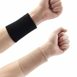 Muñeca de antebrazo de piel negra Tatuaje Cubra las mangas de compresión Corrector Banda